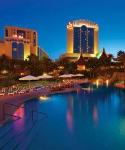 Pool Garden - The Gulf Hotel